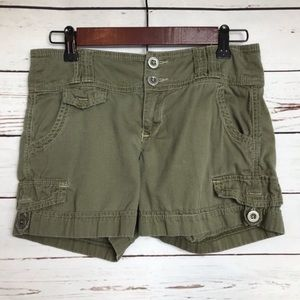 Anthro Daughters of the Liberation green shorts 00